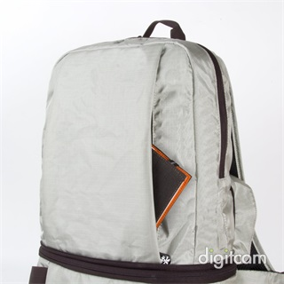 Crumpler Light Delight Foldable Backpack hátizsák (LDFBP-012) - platina