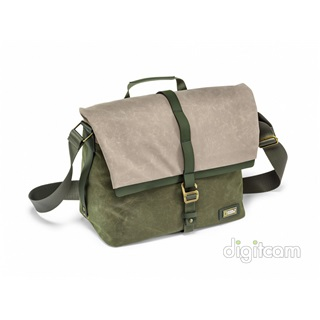 National Geographic Rain Forest Medium Messenger (RF 2450)